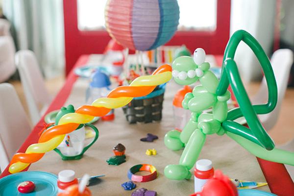 ein kindergeburtstag in regenbogenfarben. Black Bedroom Furniture Sets. Home Design Ideas