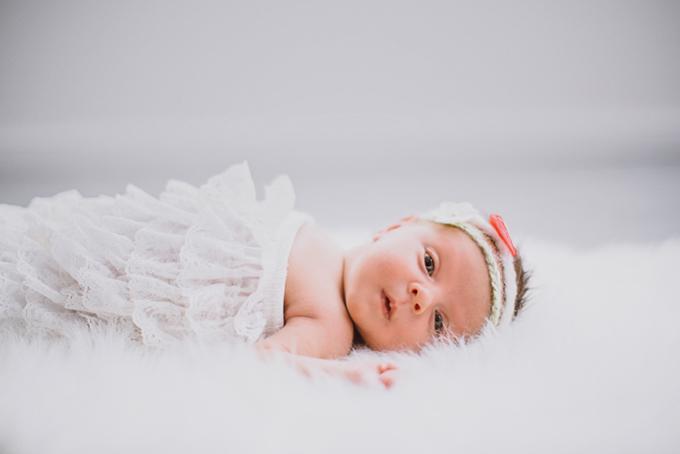fotografie Sabrina Schindzielorz_niceforyoureyes_newborn_homestory_3C1A1113