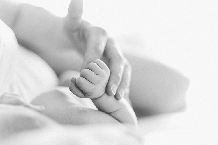 Neugeborenenfotos zu Hause 1