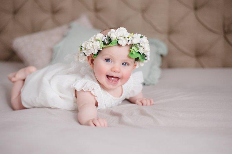Babyfotos mit Blumenkranz 12