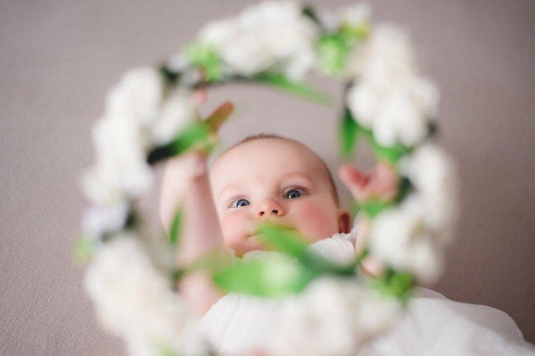 Babyfotos mit Blumenkranz 2