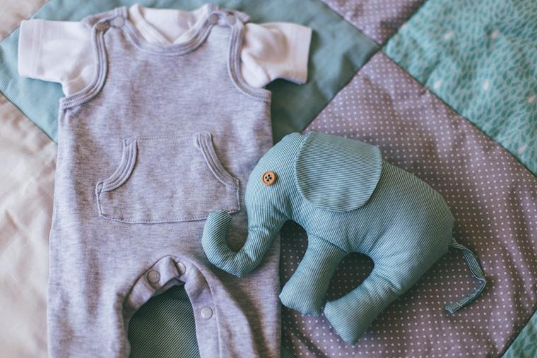 Babybauchfotos zu Hause 10
