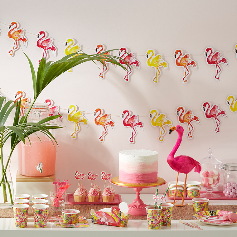 partydeko mit flamingos. Black Bedroom Furniture Sets. Home Design Ideas