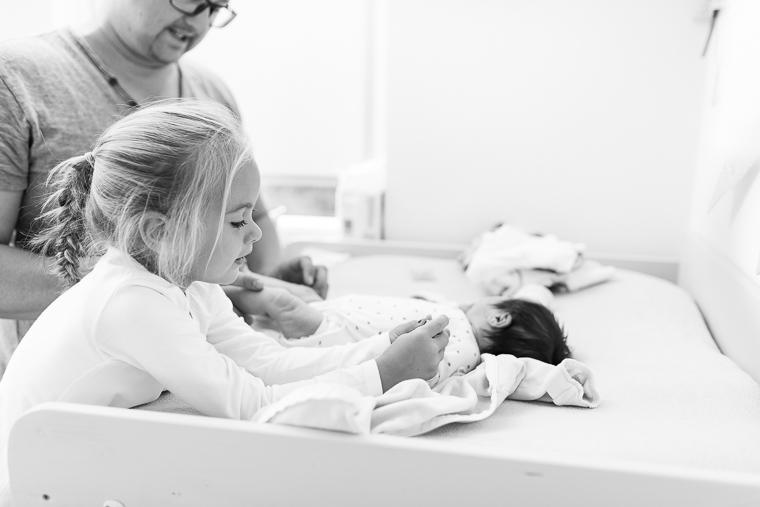 neugeborenenfotos-zu-hause-13