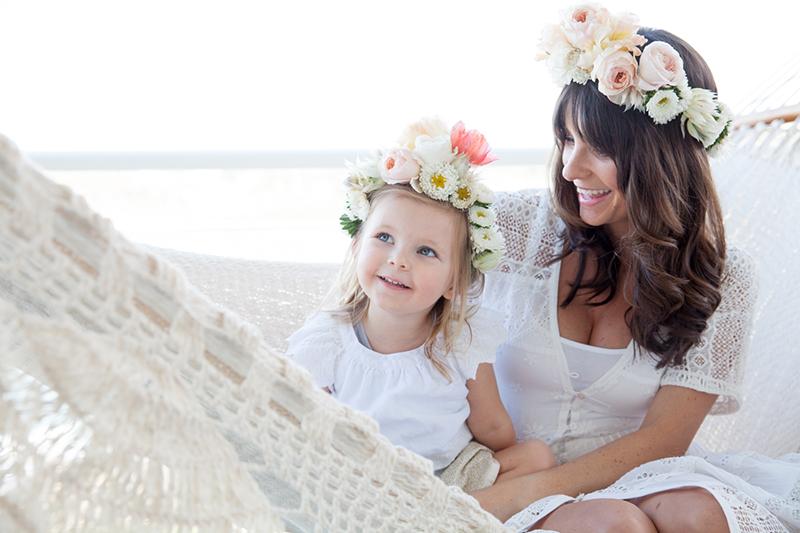 Mutter Tochter Blumenkranz (1)