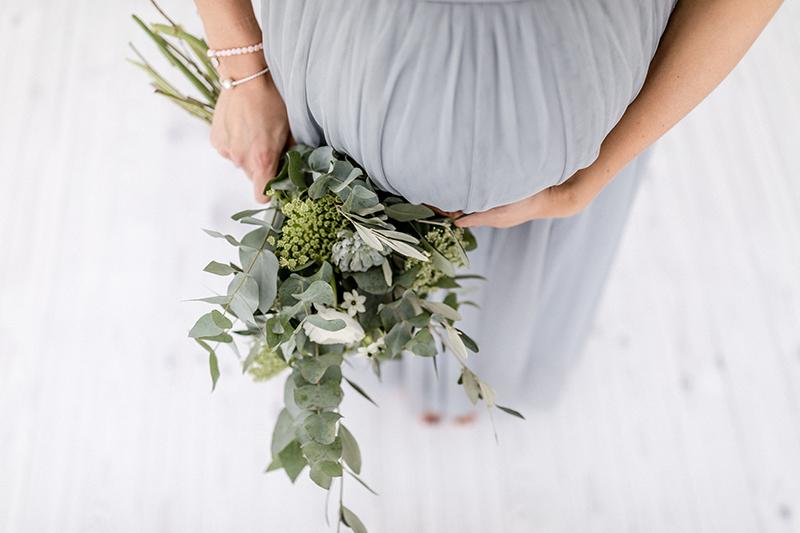 Babybauch Fotos mit Blumenkranz (21)