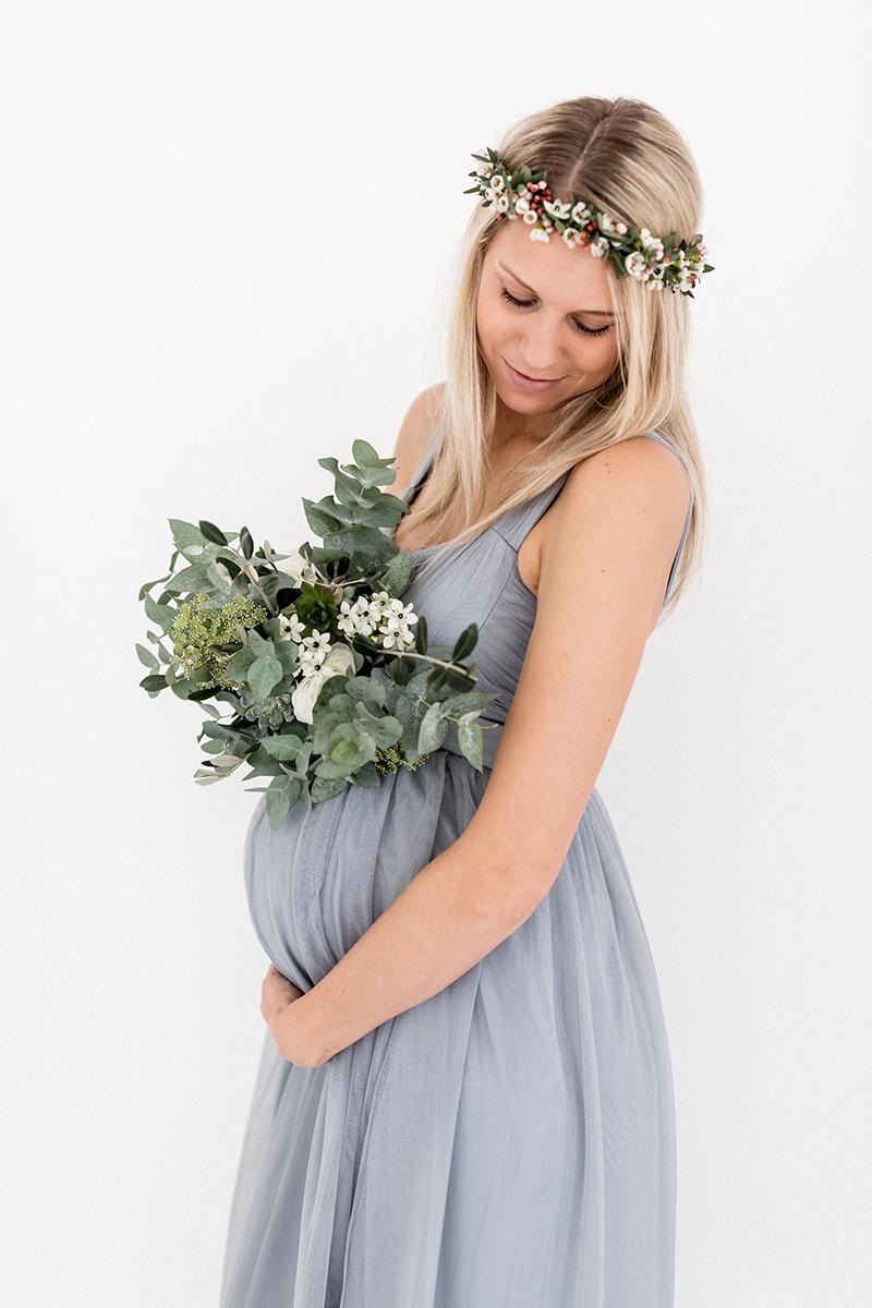 Babybauch Fotos mit Blumenkranz (85)