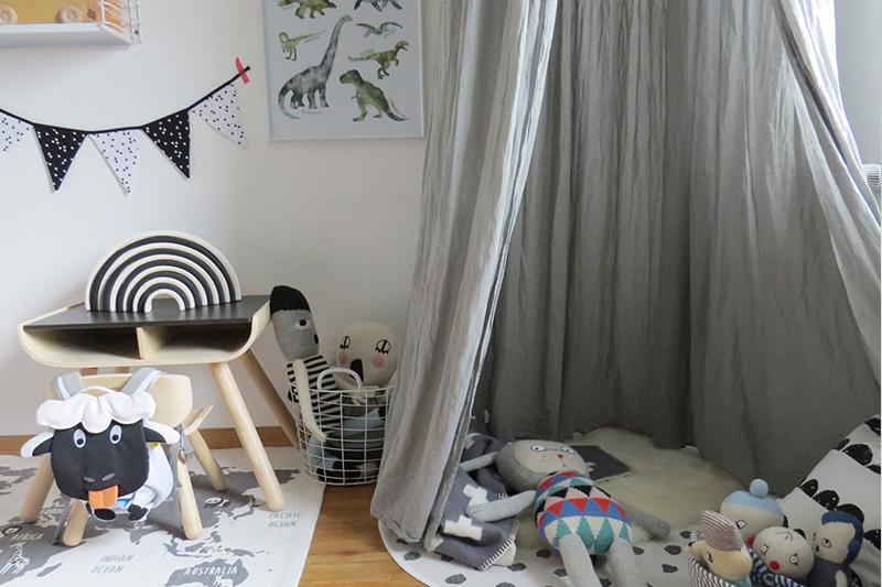 Kinderzimmer in Grau und Schwarz Weiss1