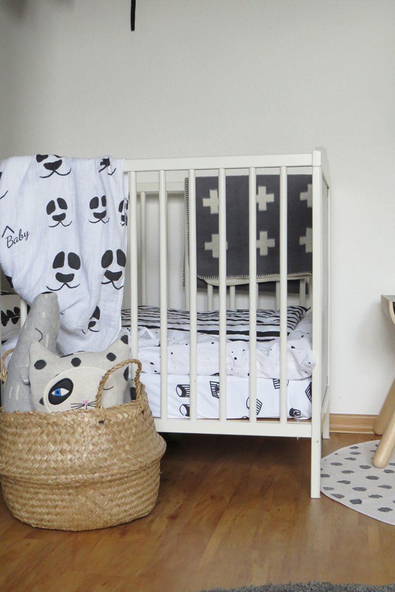 kinderzimmer in grau und schwarz weiss10. Black Bedroom Furniture Sets. Home Design Ideas