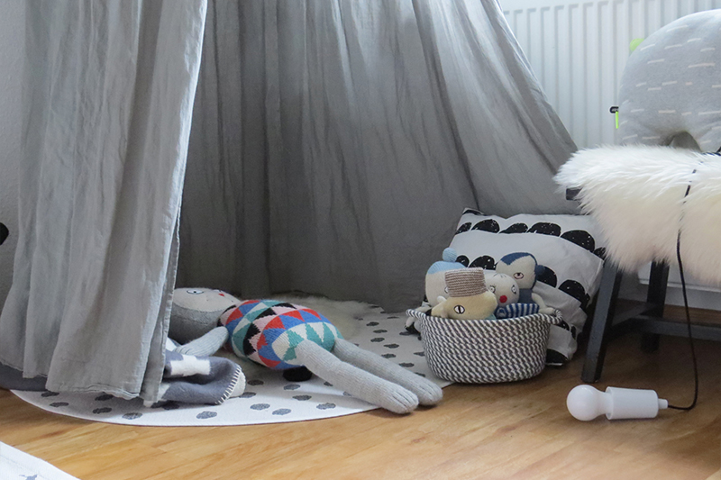 Kinderzimmer in Grau und Schwarz Weiss5