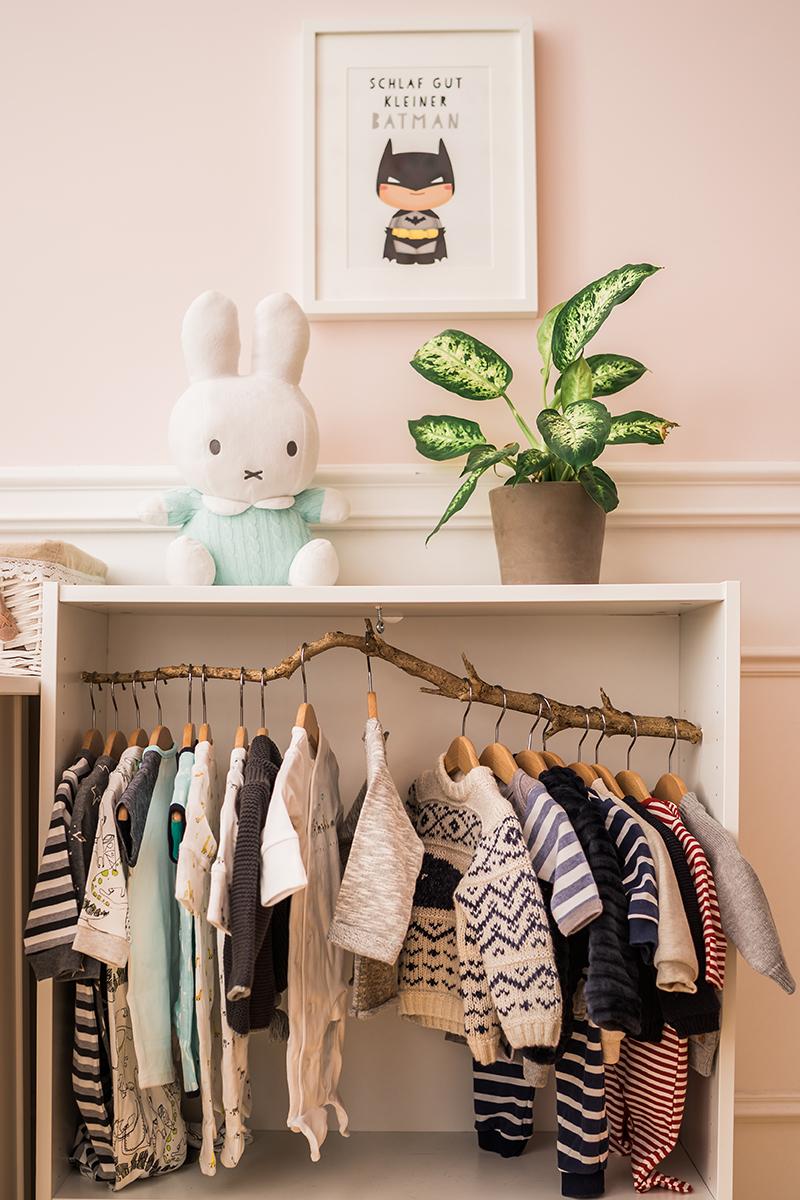 babyzimmer in grau und wei. Black Bedroom Furniture Sets. Home Design Ideas