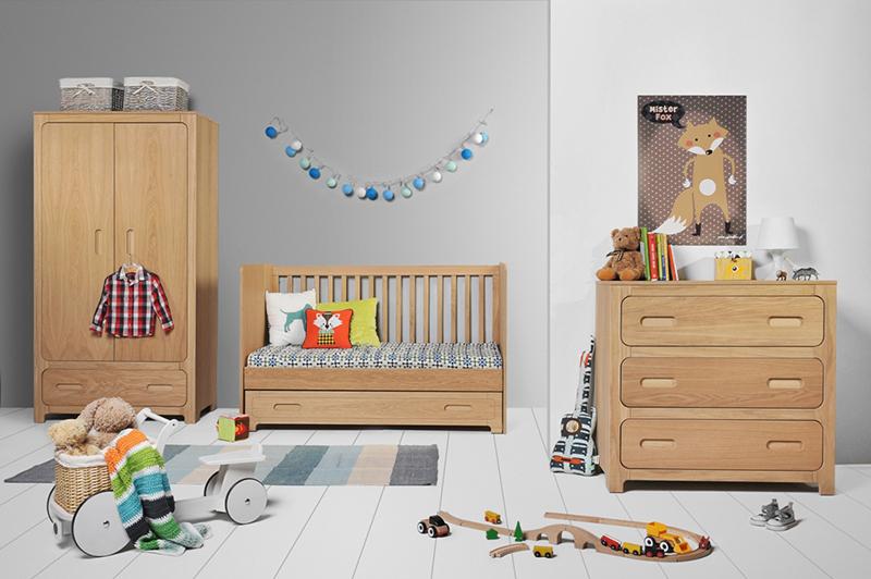 Babyzimmer Echtholz (2)