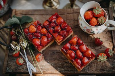 Partydeko mit Erdbeeren