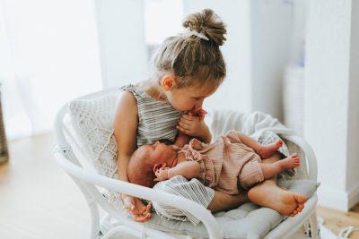 Süße Geschwisterbilder mit Gulia und Clara