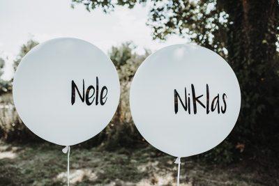 luftballons mit aufkleber
