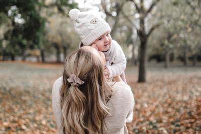 Mini Monday: Emma im Herbstlaub