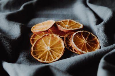 Weihnachtliches DIY: Getrocknete Orangen